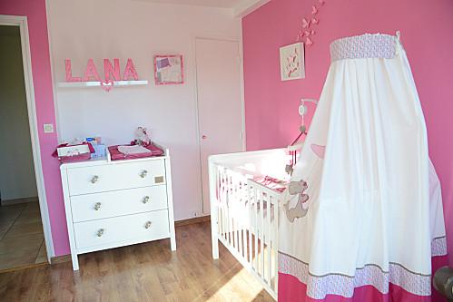 la chambre de b b nycyla - Peinture Chambre Fille Rose Et Blanc